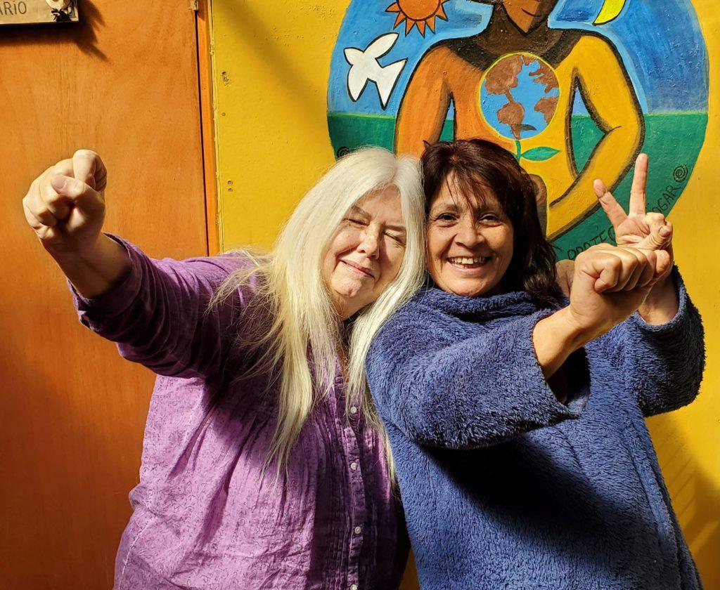 "Susan and Berta, ""¡Revolución!"""