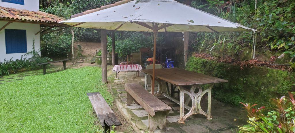 Outdoor seating at Fazenda do Cordeiros, Silva Jardim, Brasil